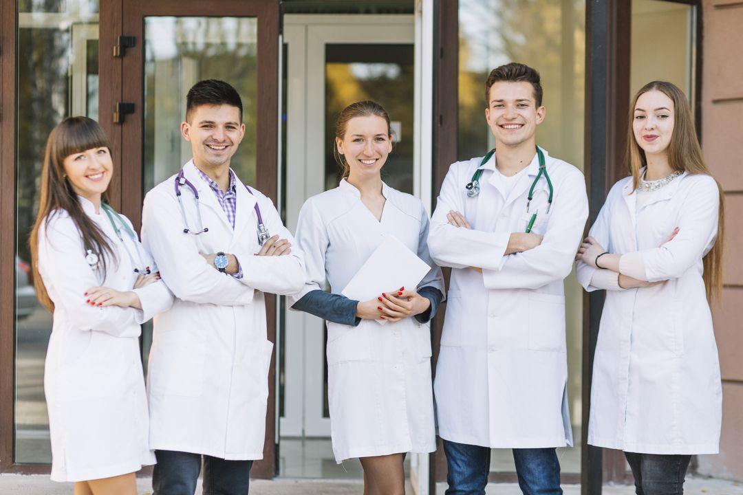 residentes de Neumologia y estudiantes